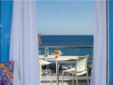 Poseidon Beach Hotel, hotels in Kamari