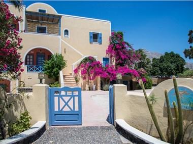 Asterias Mini Coastal Apartments, hotels in Perivolos