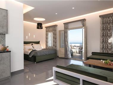 marvarit suites, hotels in Messaria