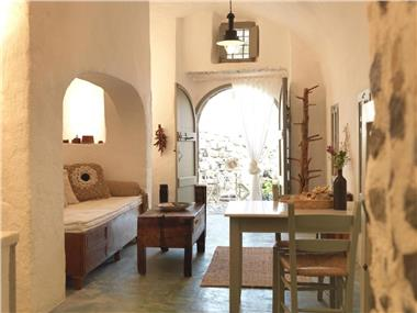 AFOURA HOUSES, hotels in Pyrgos