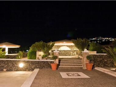 Villa Danezis, hotels in Messaria