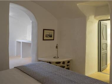 Pyrgos 1870, A restored Winery, hotels in Pyrgos