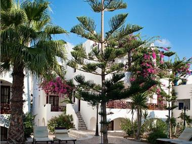 Veggera Beach Hotel, hotels in Perissa