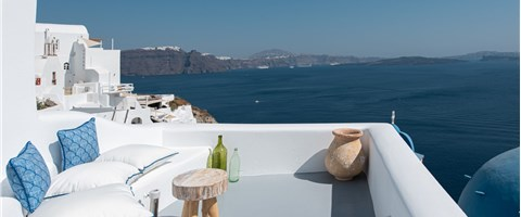 Junior Suite with Terrace and Caldera View