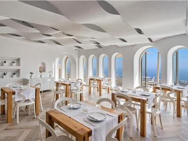 Skyfall Suites, hotels in Pyrgos