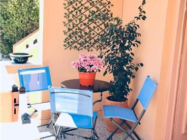 Atlantida Spacious Flat, hotels in Fira