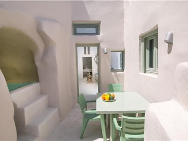 morfi cave house, hotels in Oia