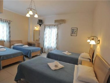 Stelios Place, hotels in Perissa
