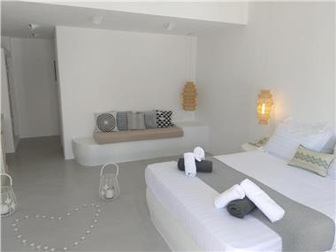 Filira Suites, hotels in Perissa