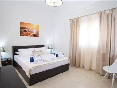 City Center Apartment, hotels in Fira