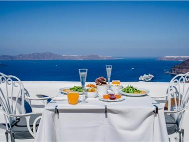 Athina Luxury Suites, hotels in Fira