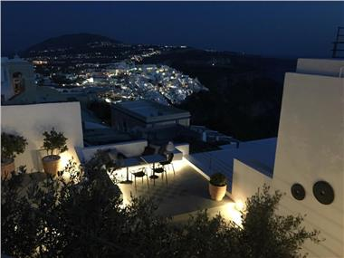 Amelot Art Suites, hotels in Fira