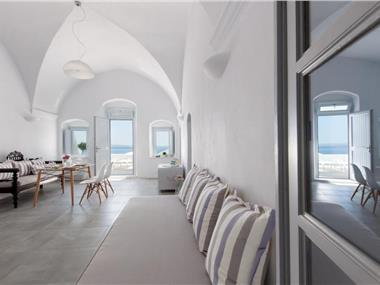 Evmenia Luxury Cave Villa, hotels in Oia