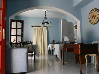 Angel Studios Dahlia Collection, hotels in Karterados