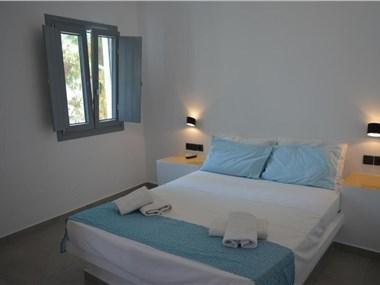 Αll seasons rooms and suites, hotels in Perissa