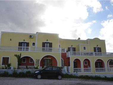 Christina Pension, hotels in Karterados