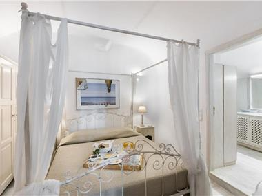 Armeni Luxury Villas, hotels in Oia