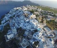 Santorini hotels on the rim of the caldera