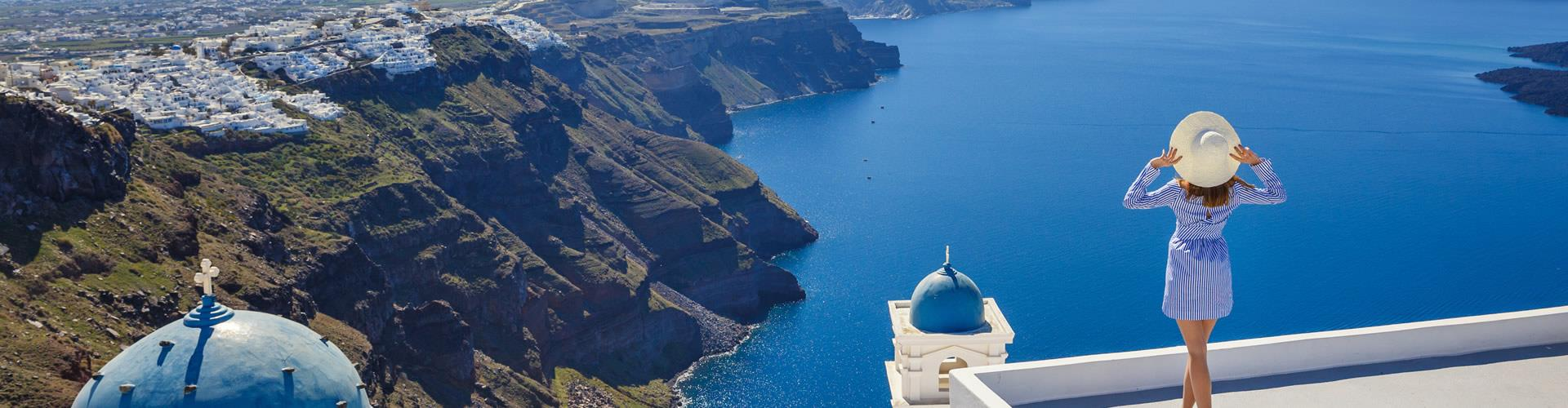 Solo Travel in Santorini: Best Places to Stay & Things to Do