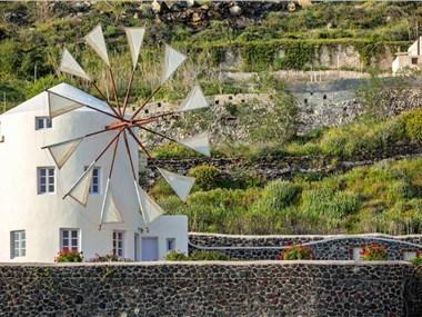 Pori Villa Sleeps 5 Pool Air Con WiFi, hotels in Vourvoulos