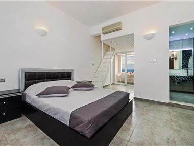 Gianna Suites, hotels in Fira