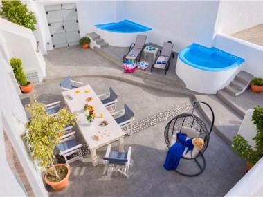 Nereids Villa Santorini, hotels in Megalochori