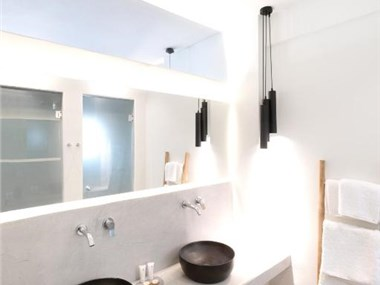 George & Joanna Suites, hotels in Fira