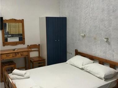 Valvi Irini Studios, hotels in Perissa