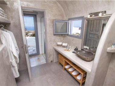 Compass Villa, hotels in Oia