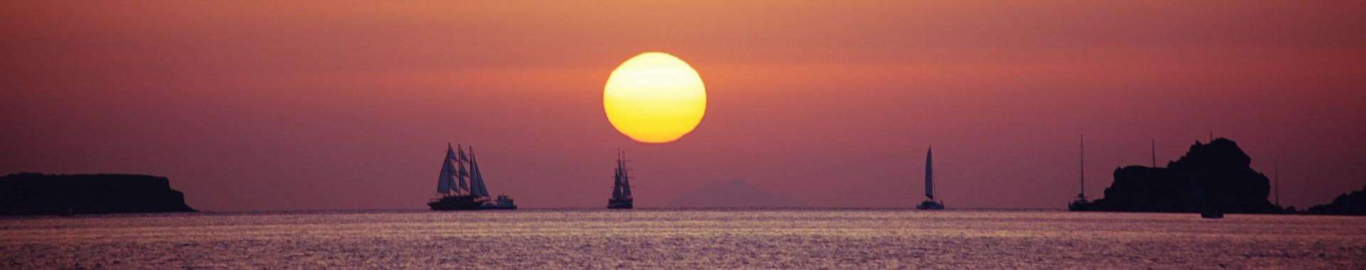 Sunset Boat Tours & Cruises in Santorini