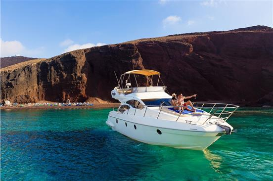 Top 7 Yacht Cruises In Santorini Online Booking