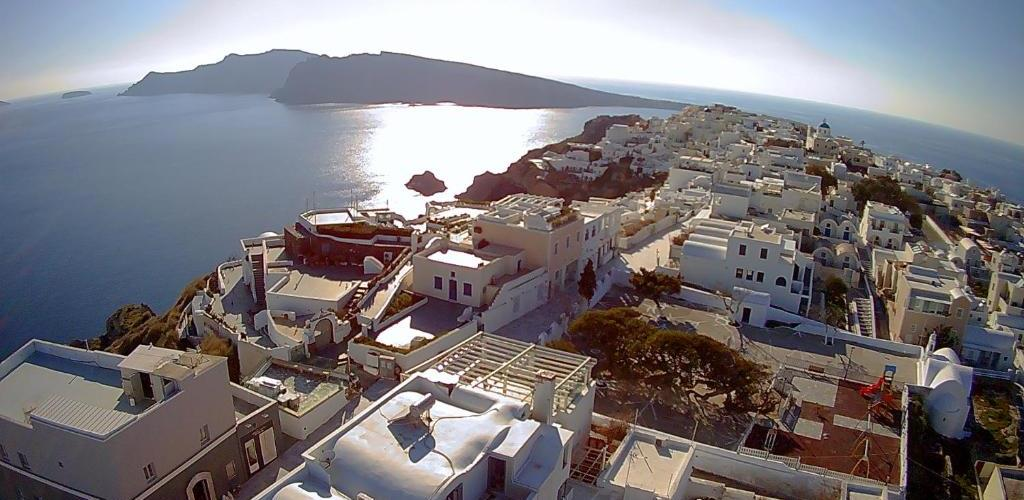 Photo of s k VEDEMA HOUSES OIA