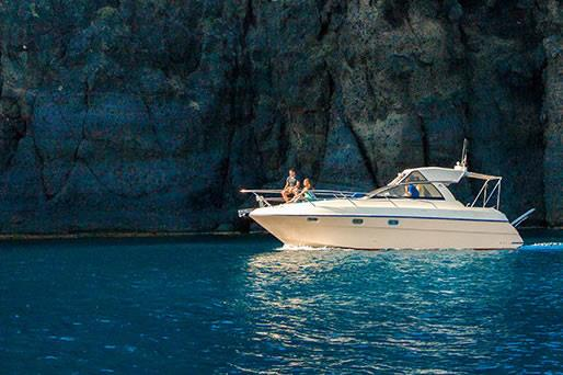 Private Boat Tours in Santorini