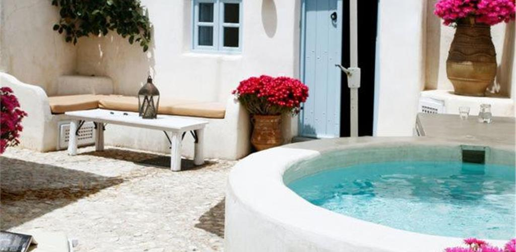 Photo of Luxury villa in Megalochori Santorini with Jacuzzi