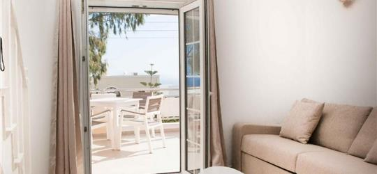 Photo of Sunny Apartment in Fira